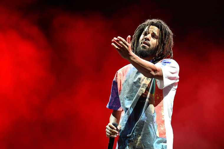 "J. Cole admits he didn't vote in 2016: ""Hillary wasn't motivating me"""