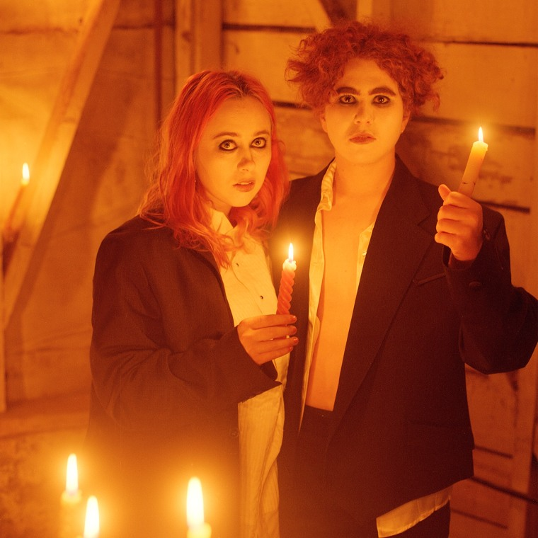 "Girlpool share new Dev Hynes collaboration ""Picturesong"""