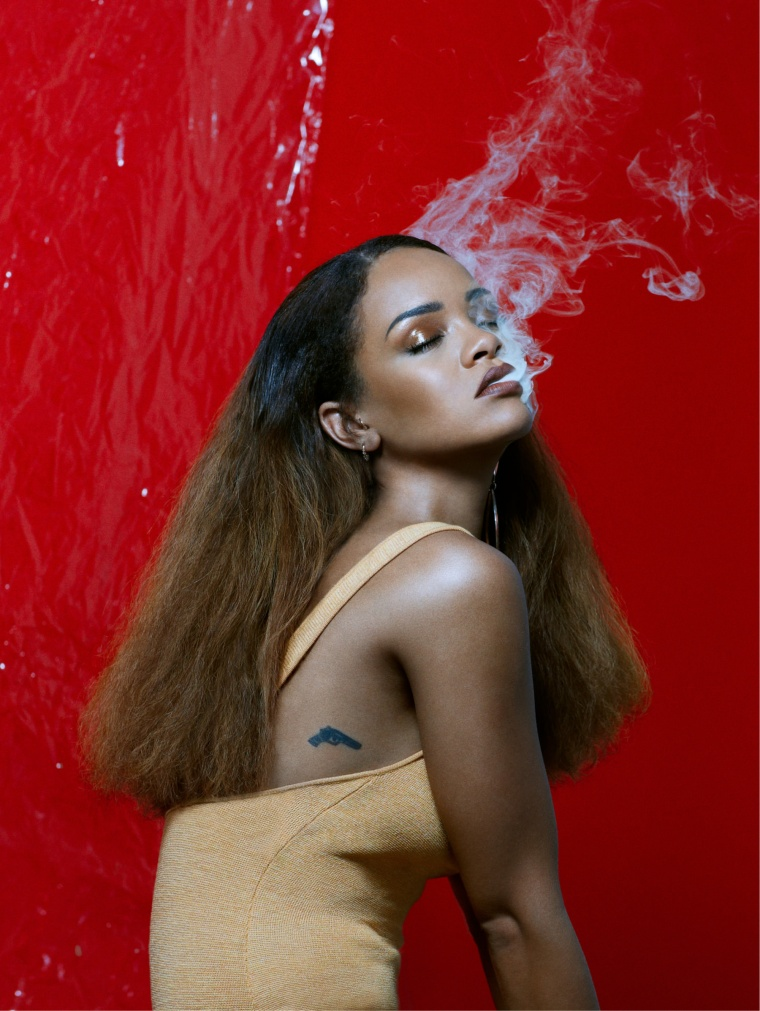 """Rihanna: """"I Don't Want To See You Catching Any Pokémons Up In This Bitch"""""""