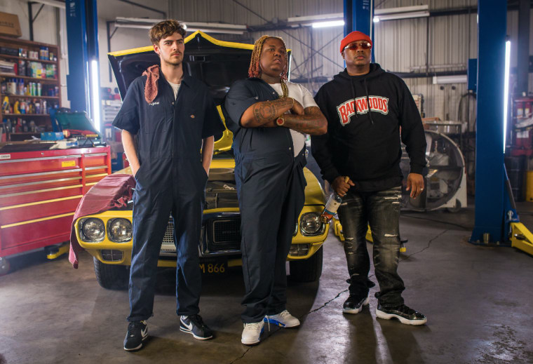 "Ryan Hemsworth Teams Up With E-40 And Yakki For ""Hunnid"""