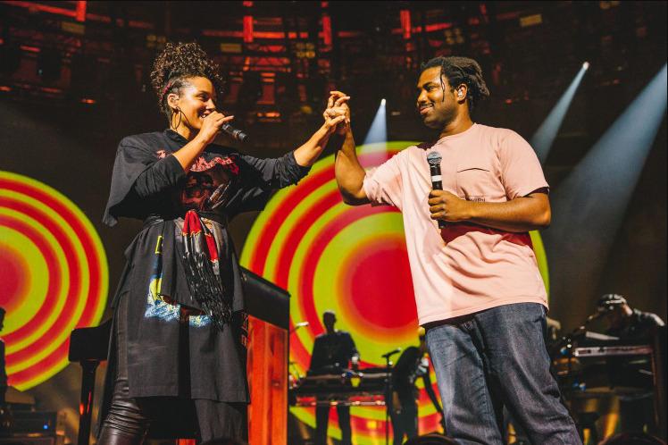 Apple Abandons Its Annual Music Festival