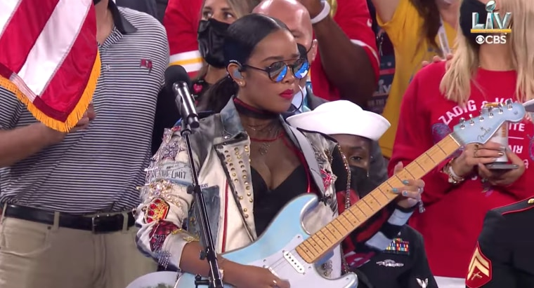 Watch H.E.R. and Jazmine Sullivan perform at the Super Bowl
