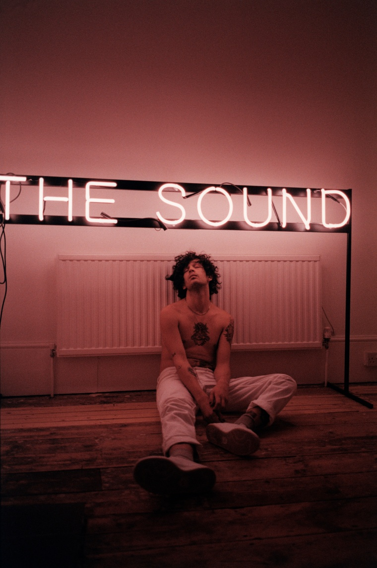 "E.U. Commission Deny Matty Healy's Claims They ""Stole"" The 1975's Visual Identity"