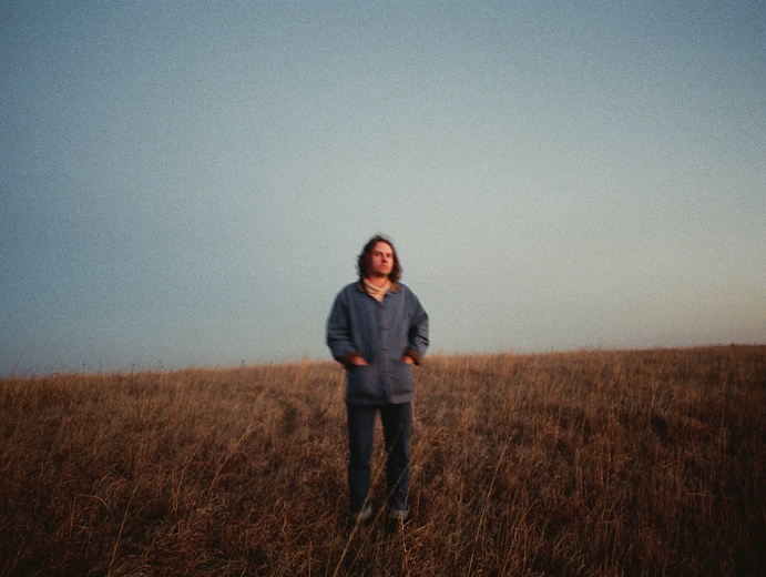 """Kevin Morby shares """"Campfire (4-Track Demo),"""" announces <i>A Night at the Little Los Angeles</i>"""
