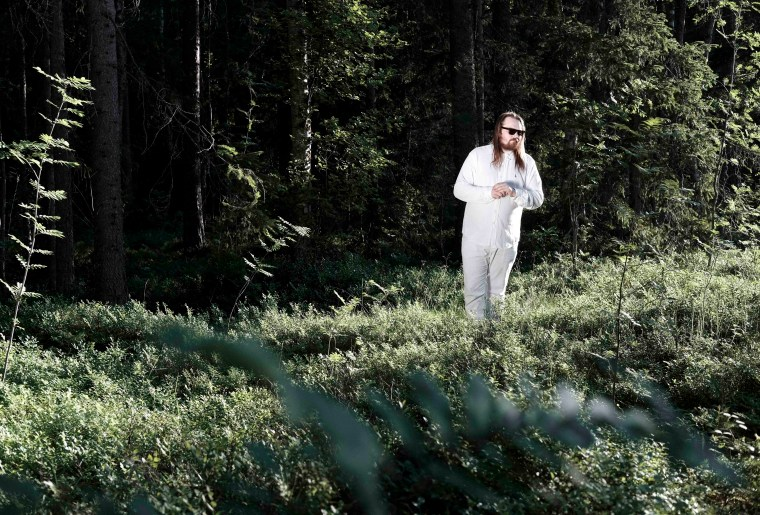 """Varg And Yung Lean's """"Red Line II (127 Sätra C)"""" Is A Techno-Rap Funeral Procession"""