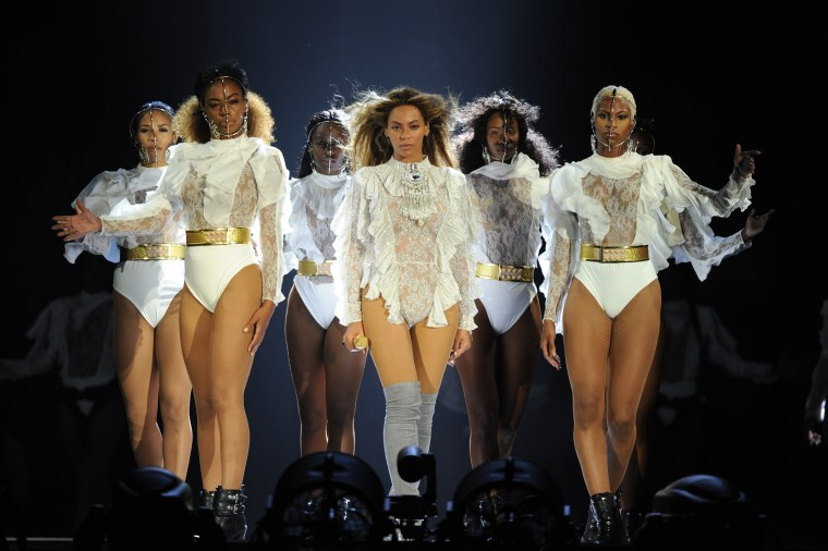 Beyoncé Was Snatching Wigs During Her Last Formation World Tour Show
