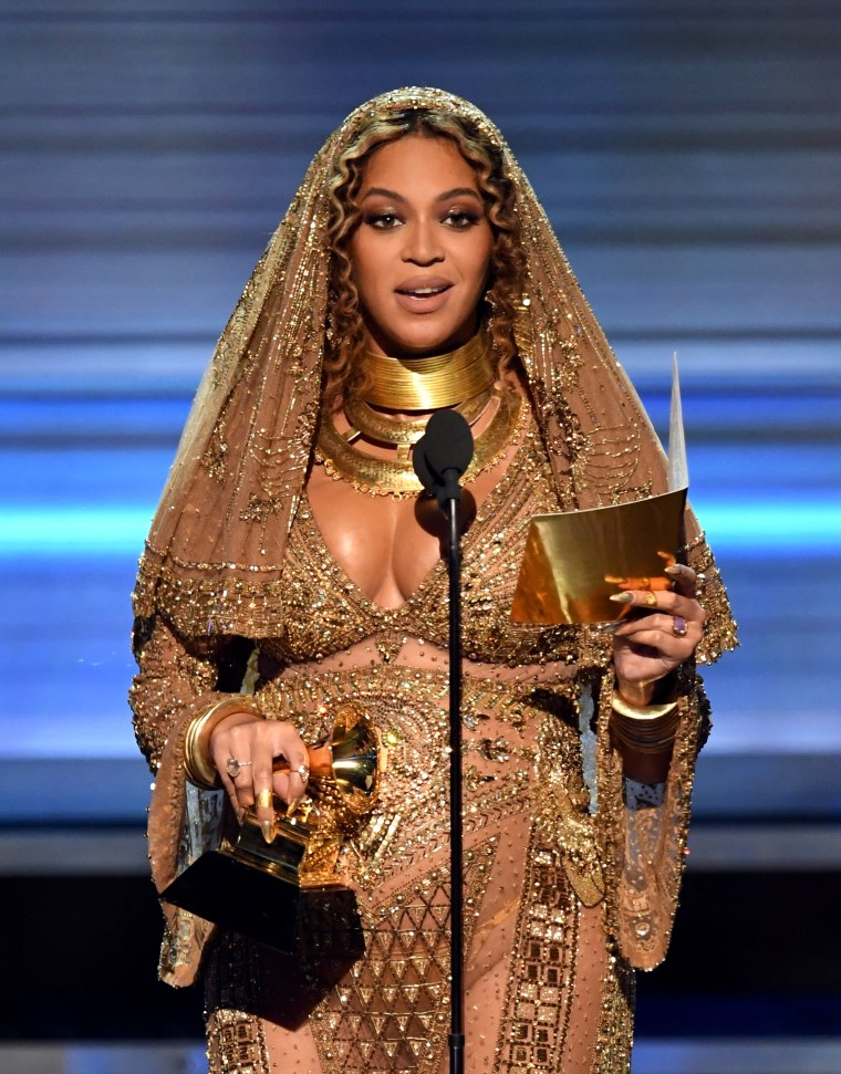 Watch Beyoncé's <i>LEMONADE</i> Acceptance Speech At The 2017 Grammys