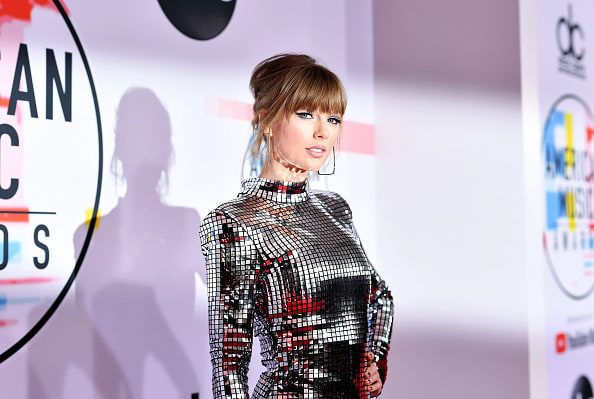 Taylor Swift announces re-recorded <i>Fearless</i> album with six new songs