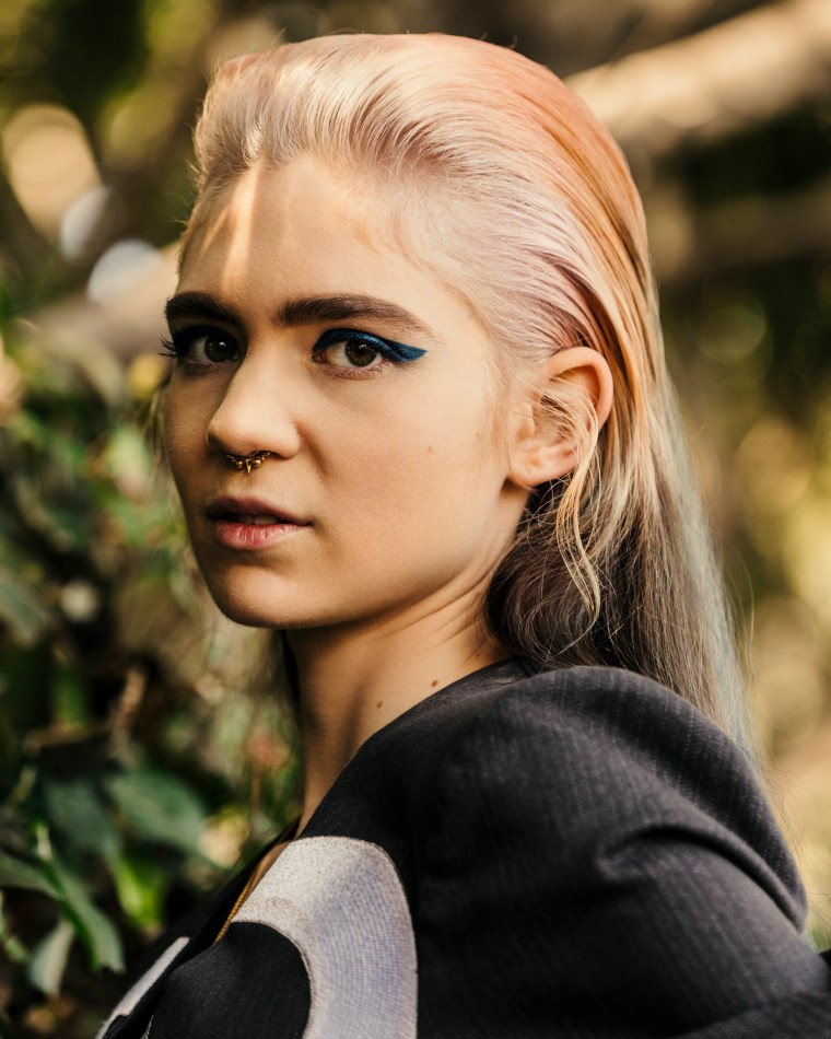 "Listen To Grimes Explain How She Made ""Kill V. Maim"" On The <i>Song Exploder</i> Podcast"