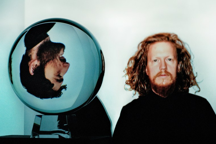"DARKSIDE confirm new album details, share ""The Limit"""