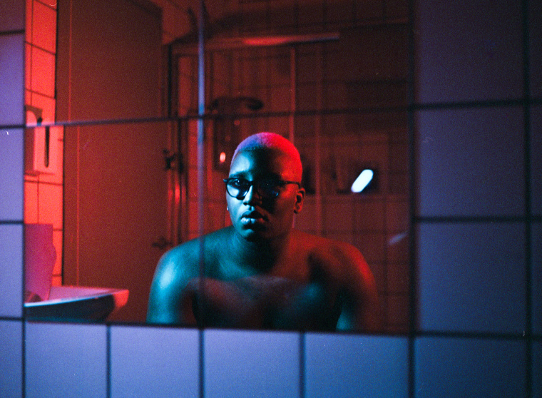 """SIPHO. flips a U.K. garage classic on new song """"BODIES"""""""