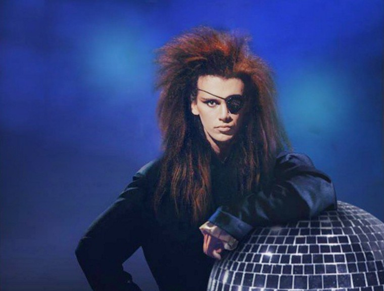 Artists Everywhere Pay Tribute To Dead Or Alive Singer Pete Burns, Dead At 57