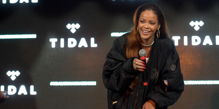 Rihanna Joining <i>The Voice</i> As Key Advisor