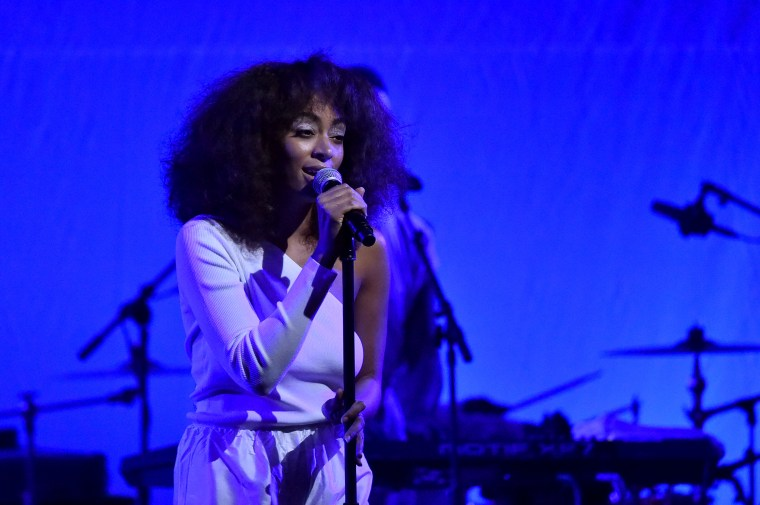 Solange Visited A Black-Owned Bookstore In D.C. To Speak And Buy 250 Books For Attendees
