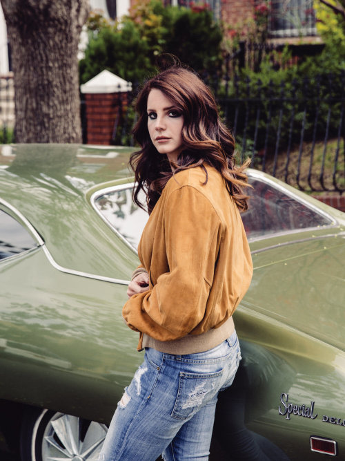 "Lana Del Rey confirms Radiohead lawsuit over ""Get Free"""
