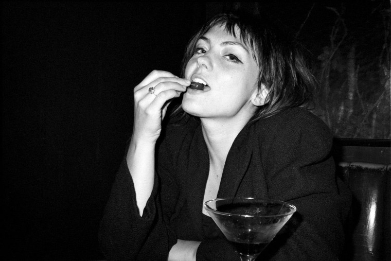 Angel Olsen details fall tour with Vagabon