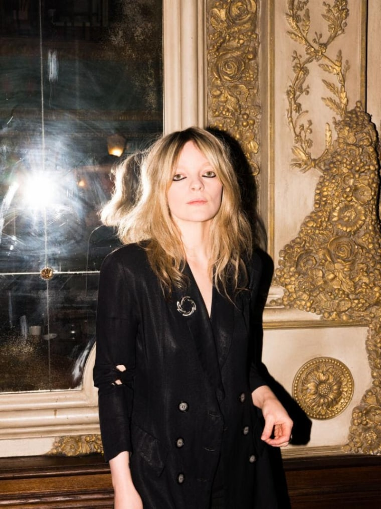 "Hear Jessica Pratt's new single ""Poly Blue"""